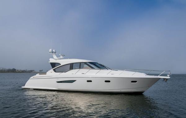 Tiara 5800 Sovran Starboard Profile