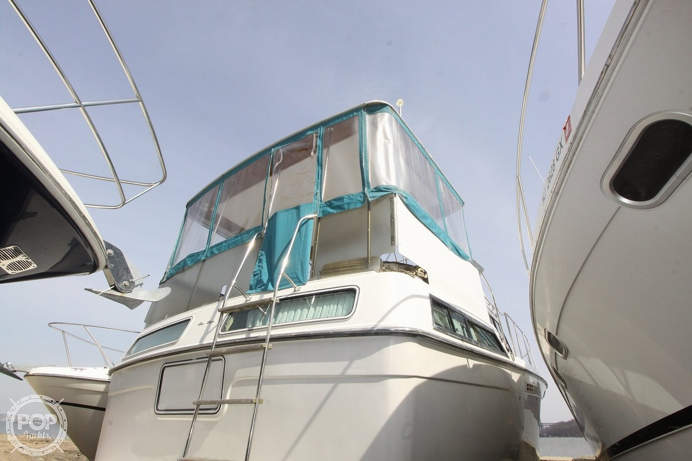 Chris-Craft Catalina 372 1989 Chris-Craft 37 for sale in Englewood Cliffs, NJ