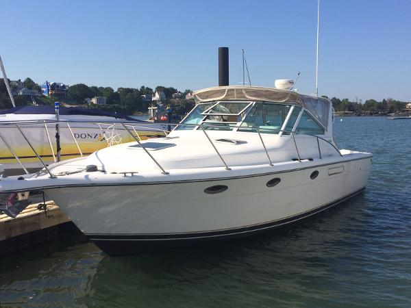 Tiara 31 Open Dock side