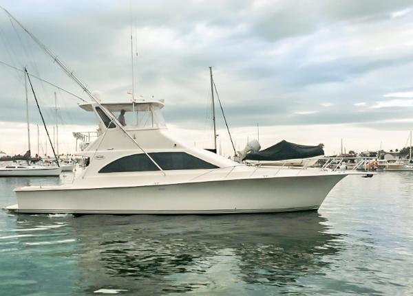 Ocean Yachts 48 Super Sport Starboard profile