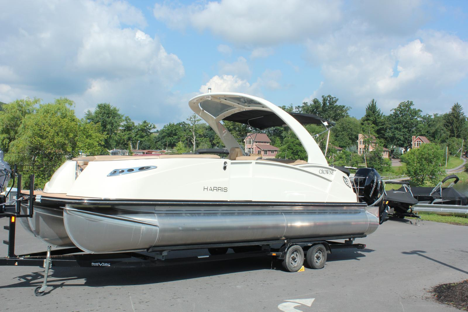 Harris CROWNE 25  SL TWIN ENGI 600HP Joyst
