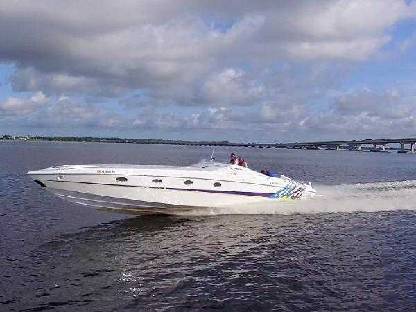 Nor-Tech 5000V Sexy Boat