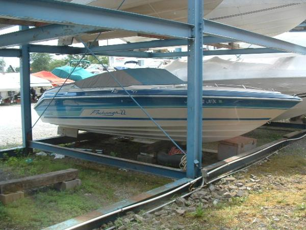 1987 Sea Ray Pachanga 19 http://www.boats.com/boat-details/Sea-Ray-Pachanga-22/121083631