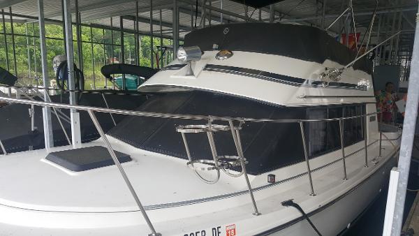 Carver Voyager 280