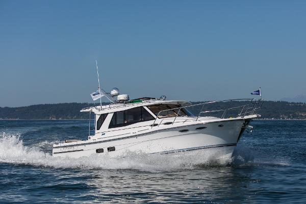 Cutwater 30  Luxury Edition