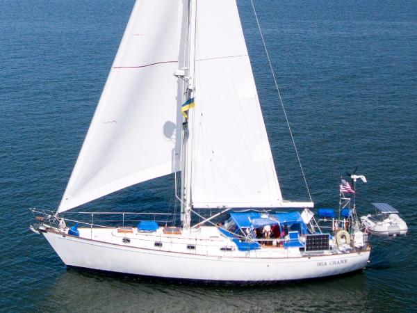 Kelly Peterson 44' Sloop Classic 'updated' KP 44'