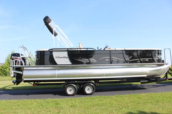 Bentley 253 elite cruise