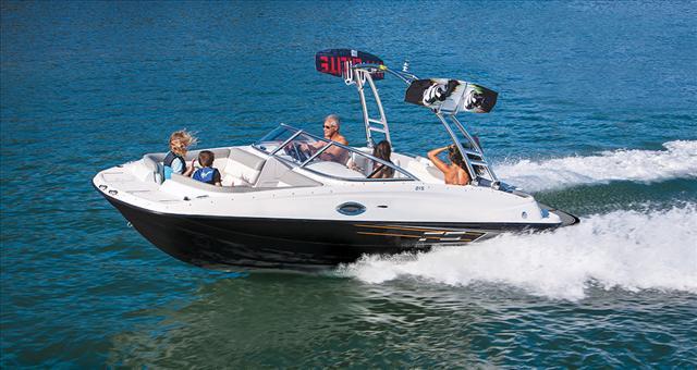 Bayliner Deck boat 215