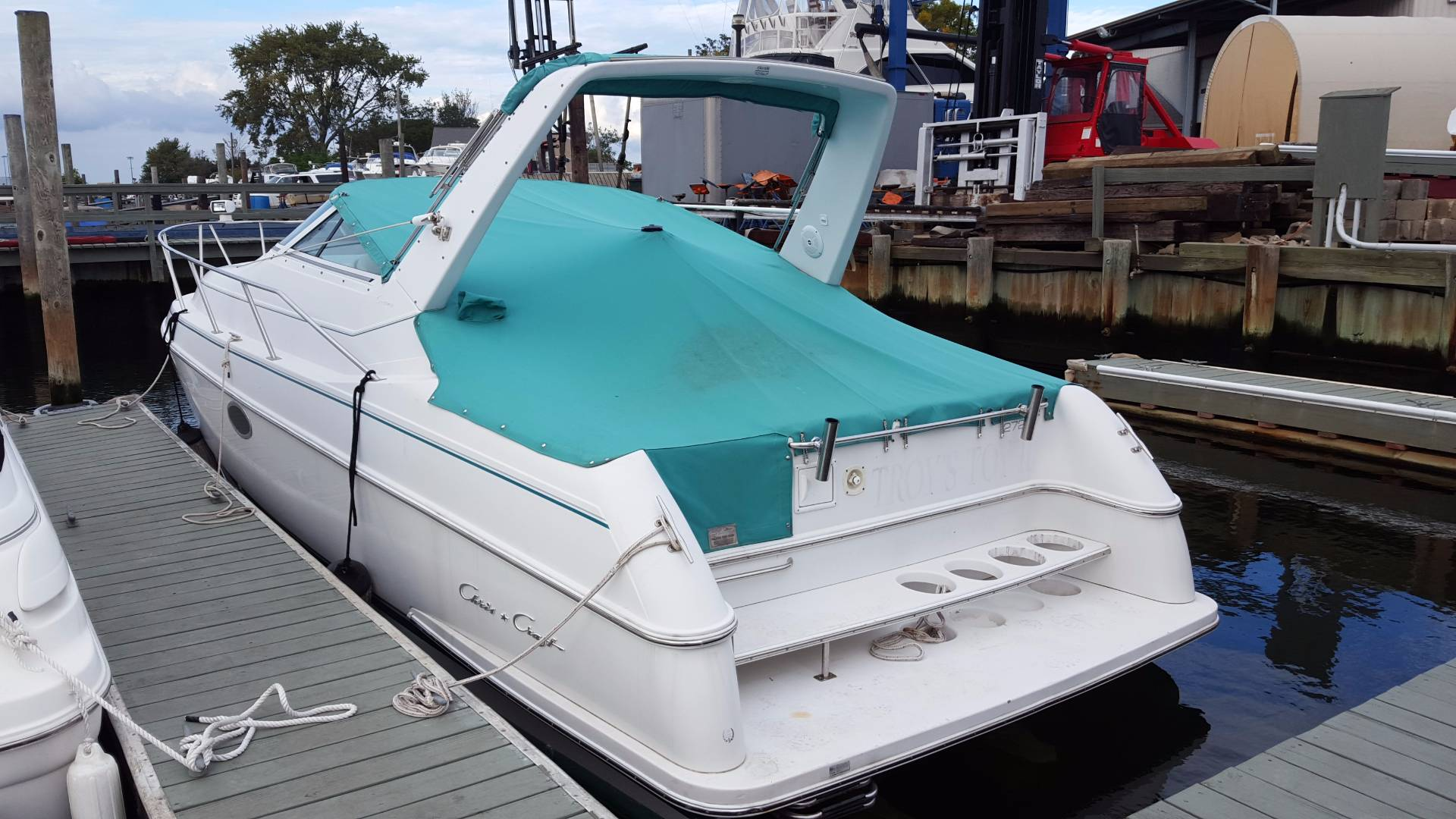 Chris-Craft Crowne 272