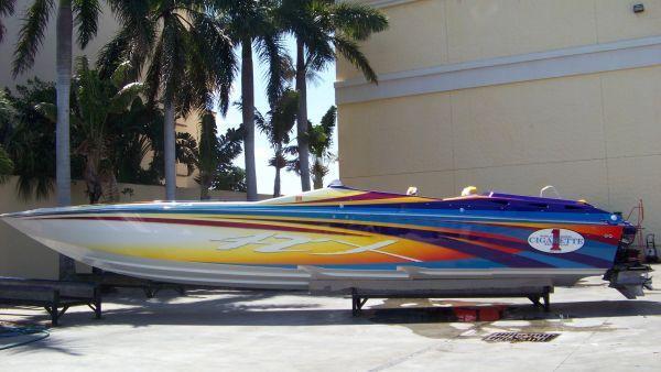 Cigarette Racing 42' X