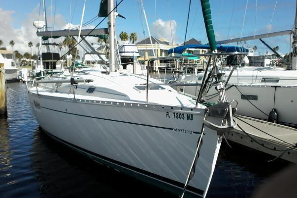 Beneteau Oceanis 352 At dock