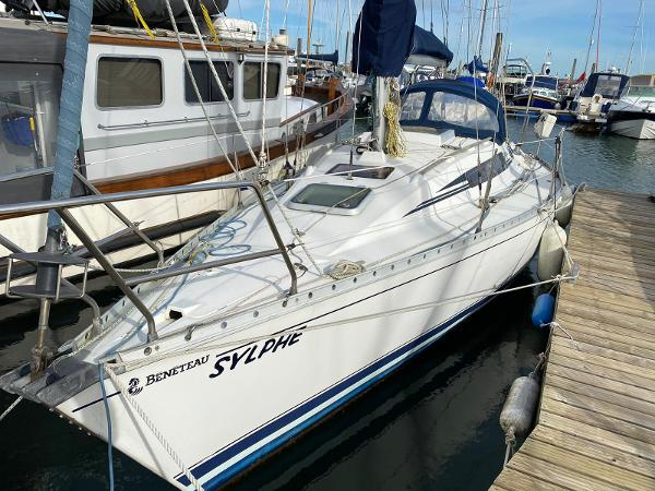 Beneteau First 305 lift keel Beneteau First 305 Lifting Keel