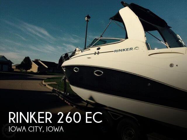 Rinker 260 Express Cruiser 2008 Rinker 260 EC for sale in Iowa City, IA