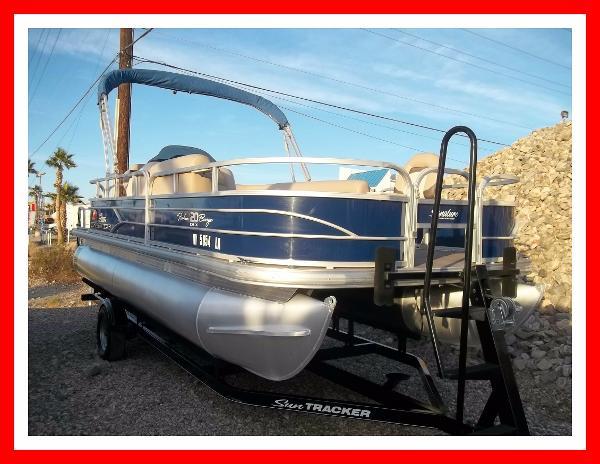 Sun Tracker 20' Fishing Barge