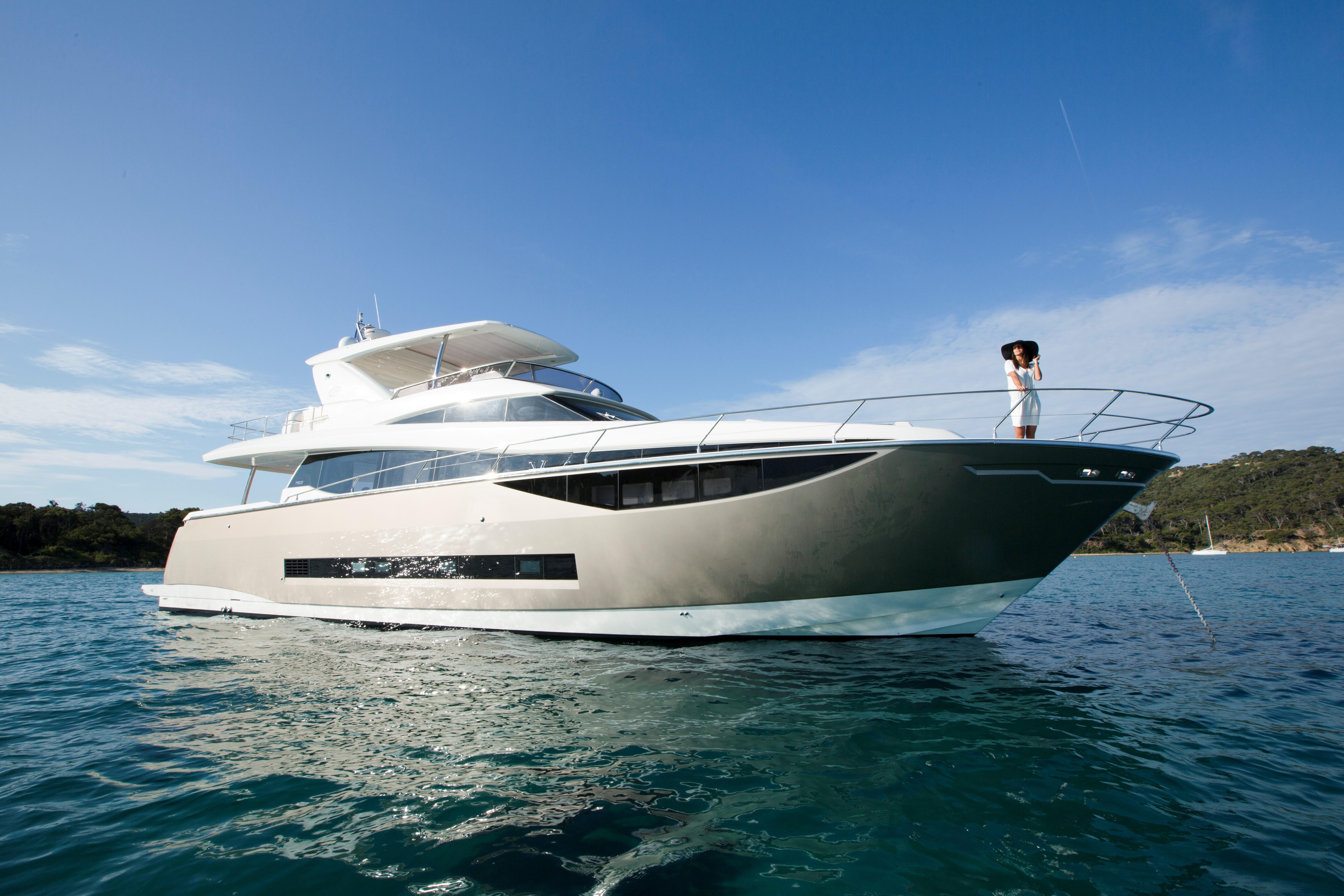 Prestige 750 Yacht Prestige 750 Yacht