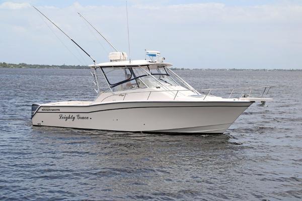Grady-White 330 Express WA