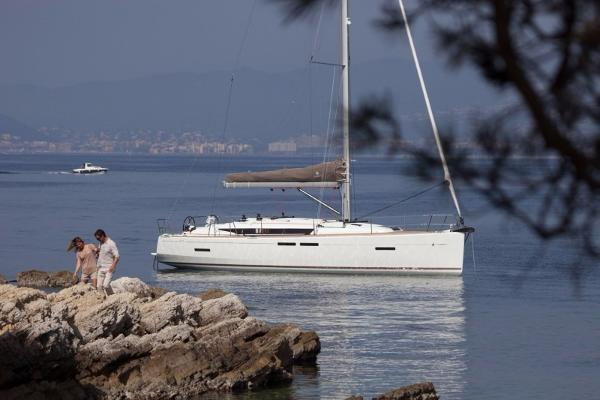 Jeanneau America Sun Odyssey 419 Manufacturer Provided Image