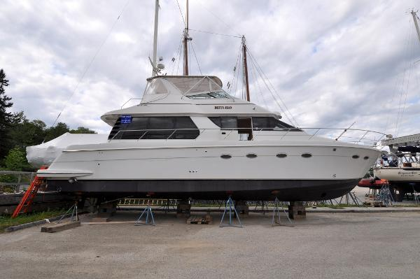 Carver 530 Voyager Pilothouse Carver 530 Voyager - Betty Jean - Dry Storage