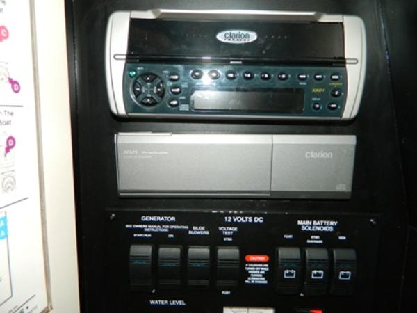 Clarion Head Unit/CD Changer