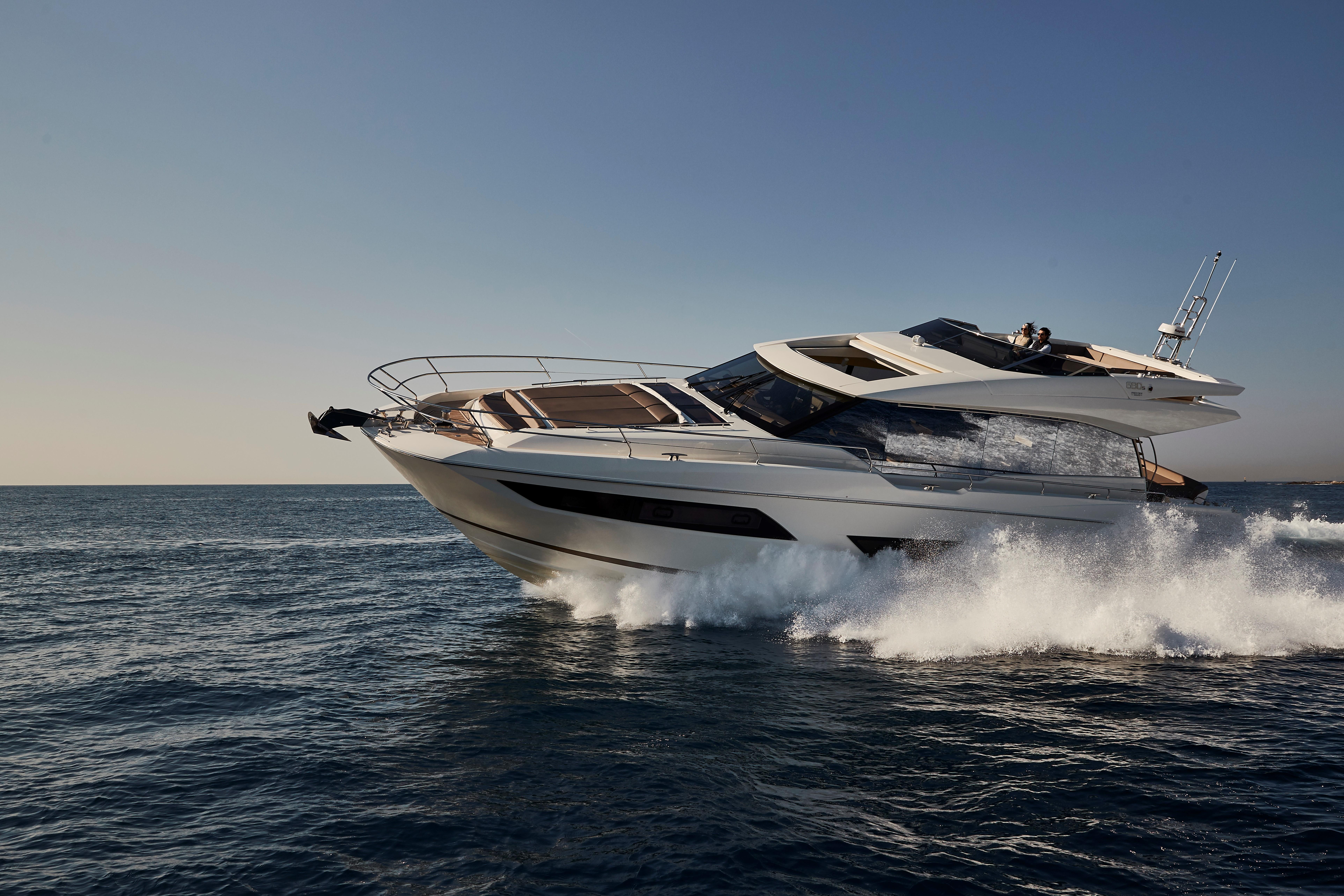 Prestige 680S Yacht Prestige 680S Yacht