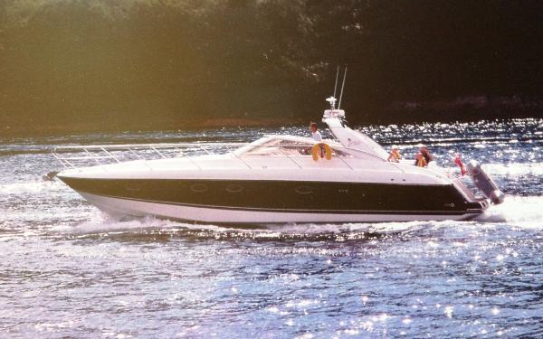 Princess V42 Estuary cruising