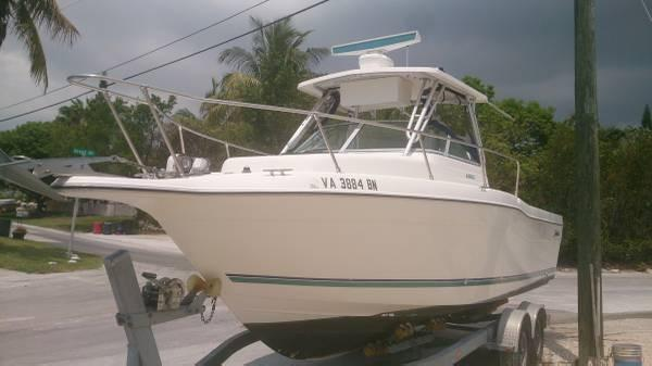 Seaswirl Striper 26 Seaswirl Striper 2600 Walkaround