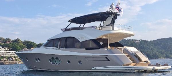 Monte Carlo Yachts MCY 70 Monte Carlo Yachts MCY 70