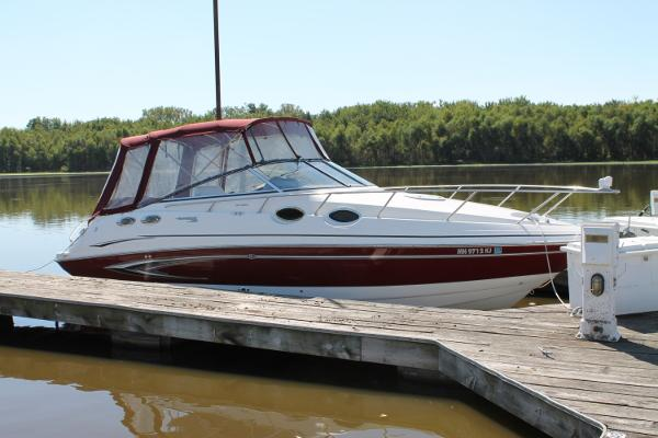 Glastron GS 289 Starboard Side @ Dock