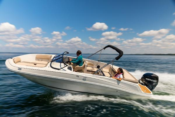 Bayliner VR 6 Outboard