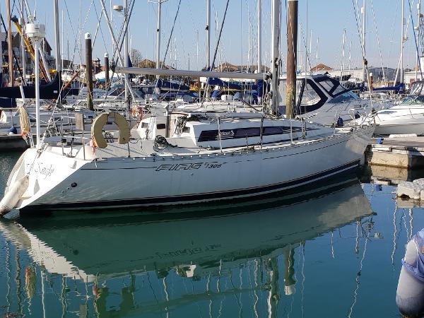 Beneteau First 305s Starboard Side