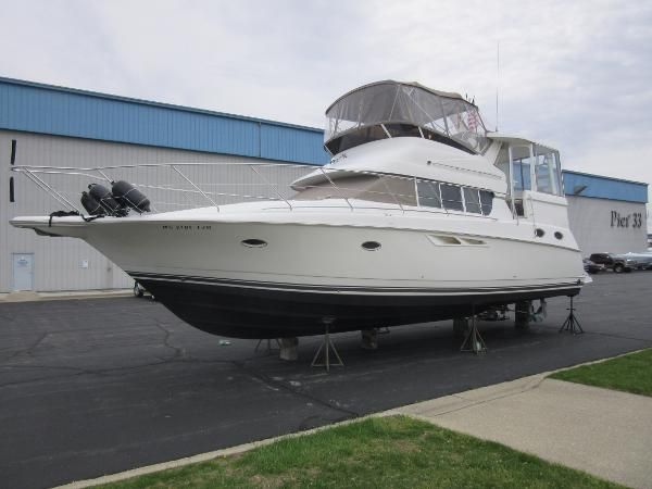 Silverton 422 Motoryacht PROFILE - SPRING 2019
