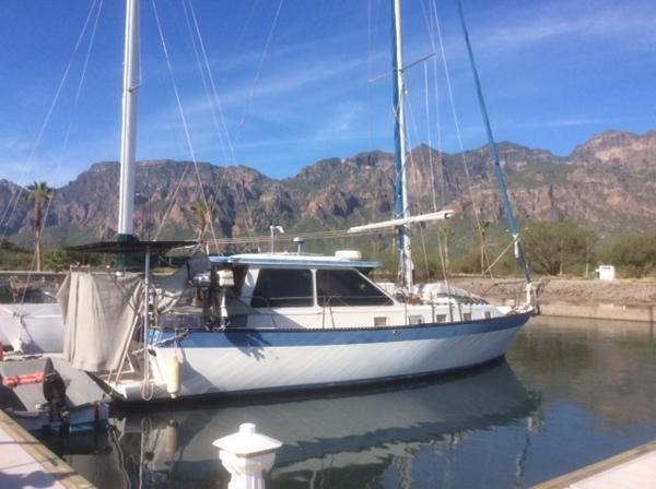 Lancer Yachts Motorsailor Pilothouse