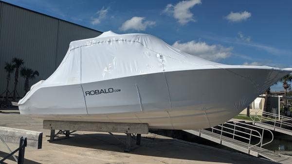 Robalo R 302 CC