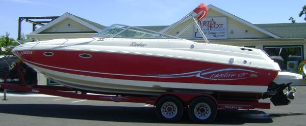 Rinker 282 Captiva Cuddy