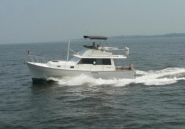 Mainship Motor Cruiser