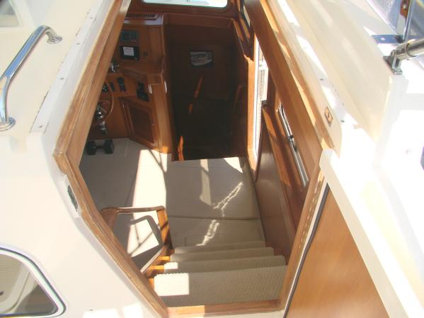 Flybridge to Pilothouse