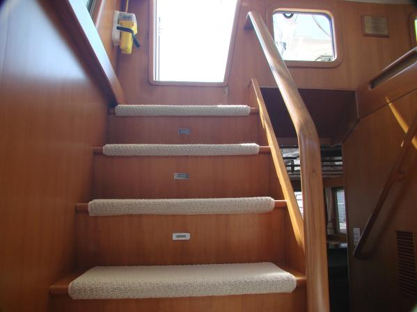 Pilothouse to Flybridge Stairway