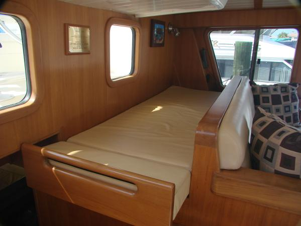 Pilothouse Berth