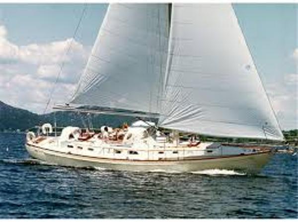 Hinckley Custom 53 Nirvana sailing