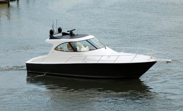 Viking 42 Sport Coupe
