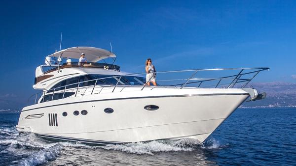 Princess 62 Flybridge Sistership