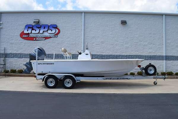 Sportsman Boats Masters 207