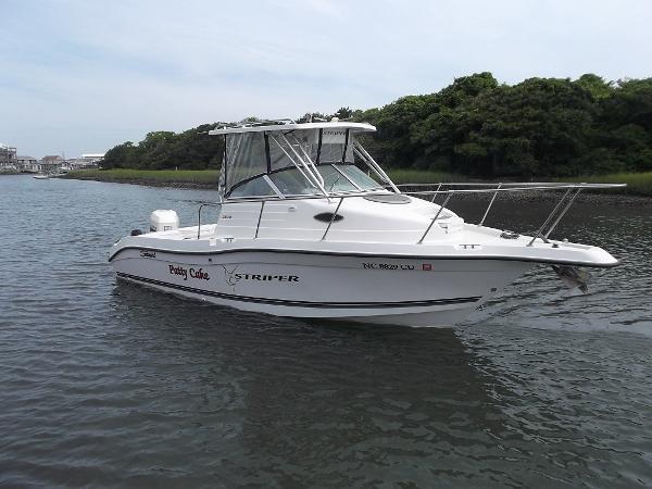 Seaswirl Striper 2300 Cuddy Ca