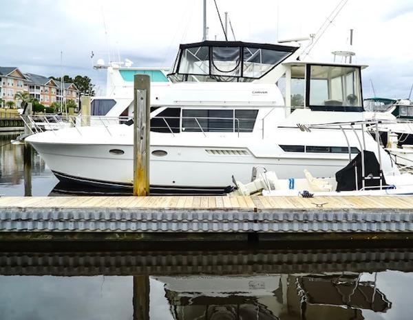Carver 405 Aft Cabin Motoryacht Profile