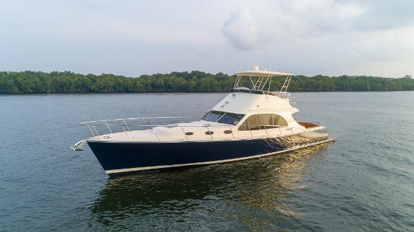 Palm Beach Motor Yachts 50 Flybridge