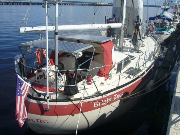 CORBIN 39 Pilothouse Cutter Canoe Stern