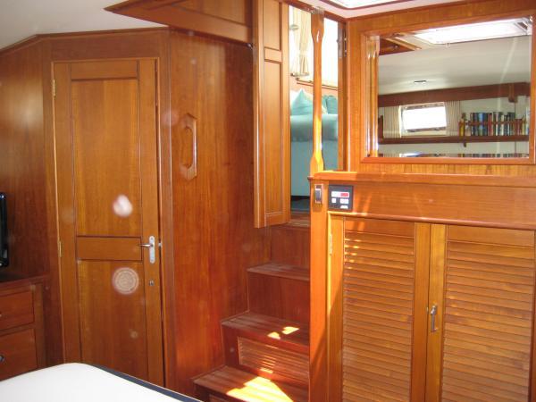 Aft Cabin Companionway