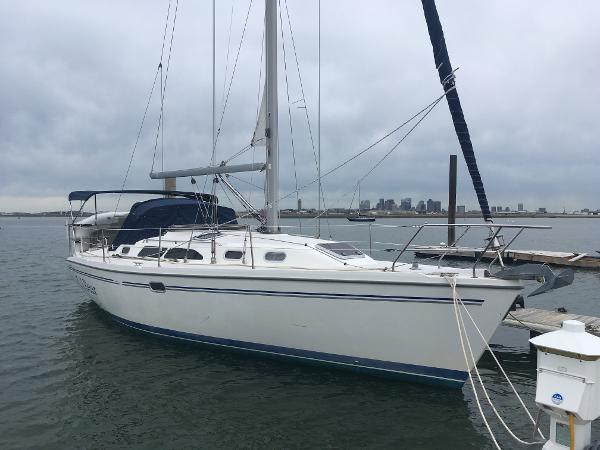 Catalina 350 Dinghy NOT included