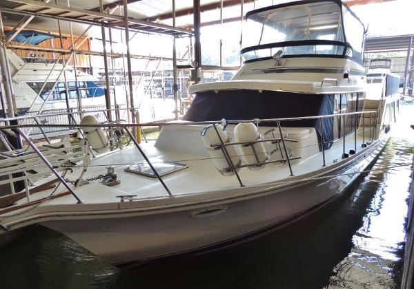 Bluewater Yachts 51 Coastal Cruiser Port Bow