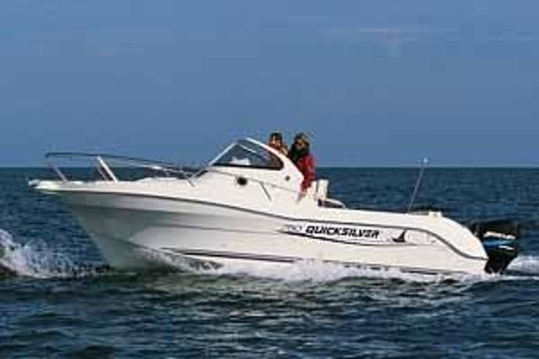 Quicksilver Commander 750 Offshore